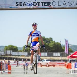 Vos赢得Sea Otter的Short Track冠军